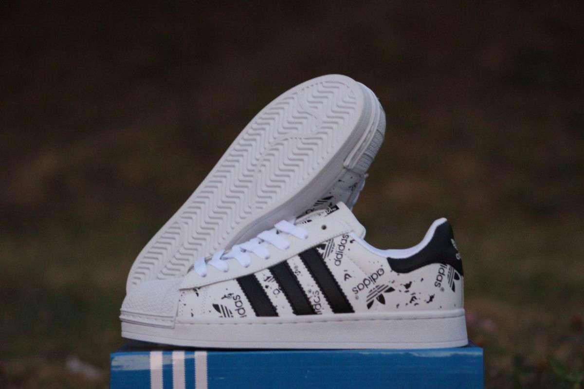 1a77cab4 Кроссовки женские белые в черные полоски Adidas Superstar 1281. 1 из 5
