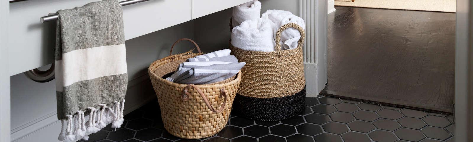 корзины для белья в ванной фото
