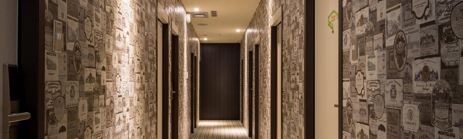 осветленный коридор фото