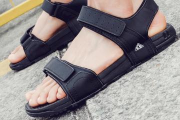 черные мужские сандалии фото