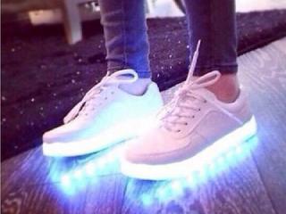 светящиеся кроссовки фото